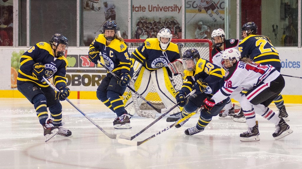 Women's Ice Hockey Upended at Boston College in First Game of Hockey